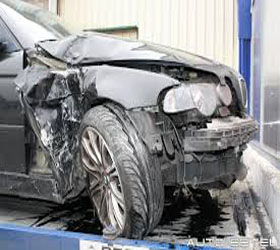 Unfallfahrzeuge Transport nach Deutschland